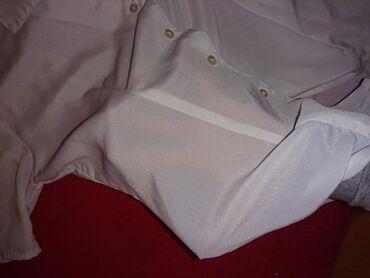 Klasicna bela kosuljica sa kratkim rukavima