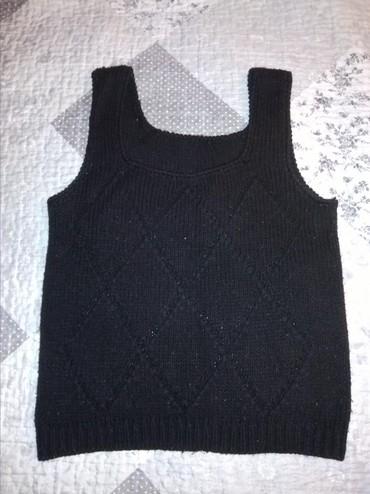 Женская одежда в Джалал-Абад: Вязанная безрукавка размер 42-44 состояние отличное город Джалал абад