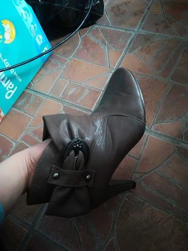 Cizme, malo nosene-kao nove. Broj 39 - Leskovac