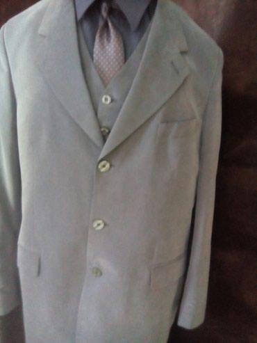 Na prodaju muski komplet pantalone, košulja, kravata, prsluk i sako, - Beograd