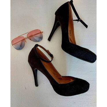 Cipele br 39 savrseno stanje stikla visine 10cm + poklon naocare