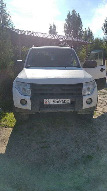 cherry 2010 в Кыргызстан: Mitsubishi Pajero 3.2 л. 2010 | 200200 км