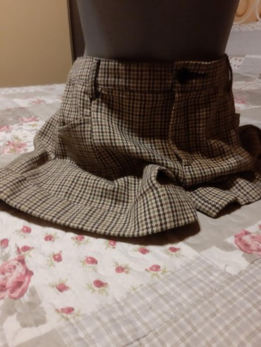 Zenski stofani vuneni mantic tsmno braon - Srbija: MANGO vuneni šorts sa džepovima