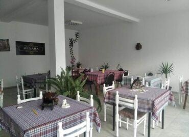 Kuća i bašta - Kladovo: Na prodaju 10 stolova i stolice