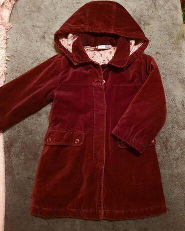 Фирменное пальто, состояние отличное на 3-4 года, цвет бордо