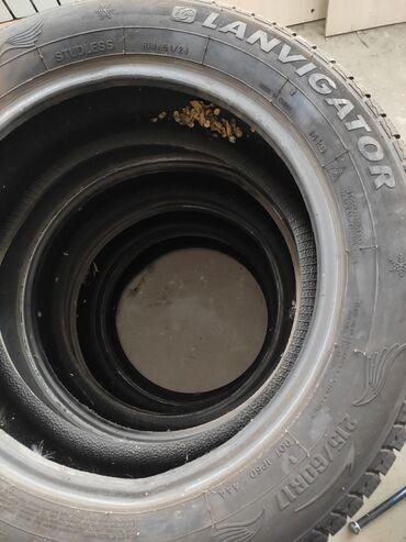 unty zima в Кыргызстан: Зимняя резина Lanvigator 215.60R17КомплектПочти масло!!!Без шишек.Без