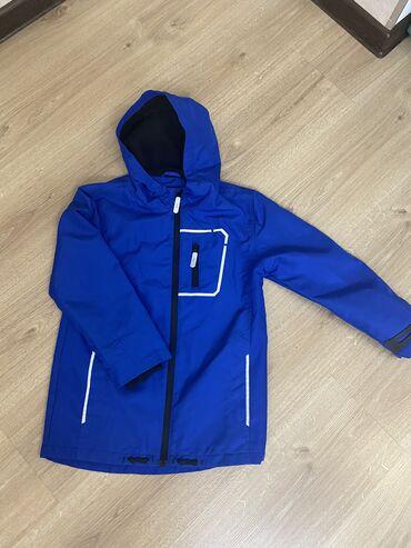 куртки uniqlo в Кыргызстан: Продаю куртку на мальчика  Uniqlo на 11-12 лет рост 140  Primark на 9-