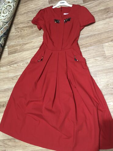 dresses в Кыргызстан: Платья в идеальном состоянии, всего по 2-3раза одевала. Качество