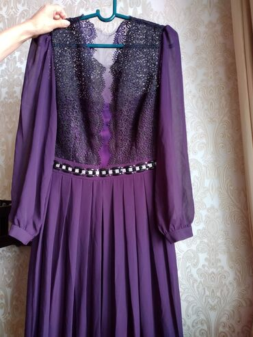 вечернее платье в горошек в Кыргызстан: Вечернее платье в пол . Производство Турция надевала 2 раза . Брала