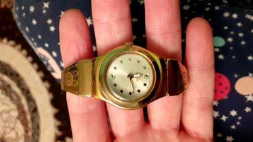 Qızılı Qadın Qol saatları Swatch