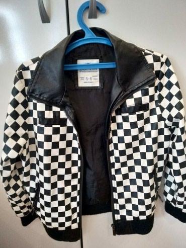 Продаю стильную кожанную куртку на в Бишкек