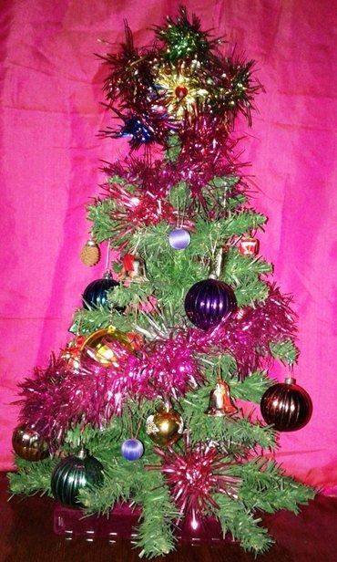 Ёлка новогодняя с игрушками и украшениями в комплекте. Длина 65 см в Душанбе
