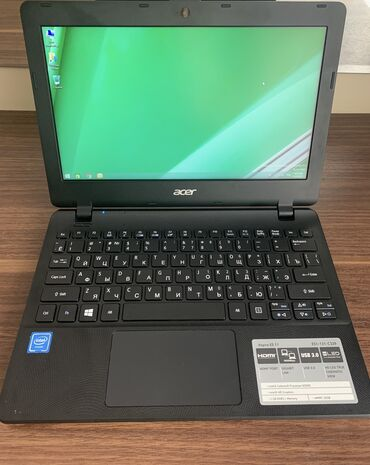 netbook baku - Azərbaycan: Acer Aspire ES11 Netbook istifadə olunmayıb. Sadəcə windows 8 yüklənil