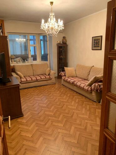 Продажа квартир - 3 комнаты - Бишкек: Индивидуалка, 3 комнаты, 107 кв. м Бронированные двери, Лифт, Без мебели