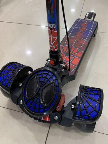 Scooter Spiderman-Yeni,muzkalni,işıqlı,əl və ayaq tormuz