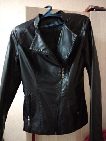 жен куртка в Кыргызстан: Женская куртка,экокожа Деми, размер m