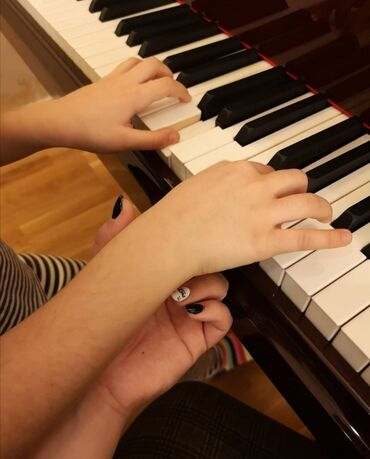 fit saat - Azərbaycan: Fərdi Fortepiano dərsləri verilir. 5 yaşından her yaşa qədər uyğundur
