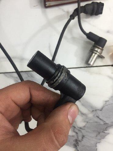 датчик распредвала опель в Кыргызстан: Продаю датчик коленвала и датчик распредвала на bmw e34 2.0 Сименс