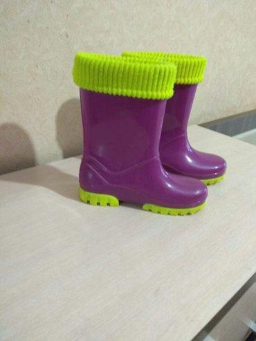 Резиновые сапоги пару раз всего одевали состояние отличное!!!35рамер в Бишкек