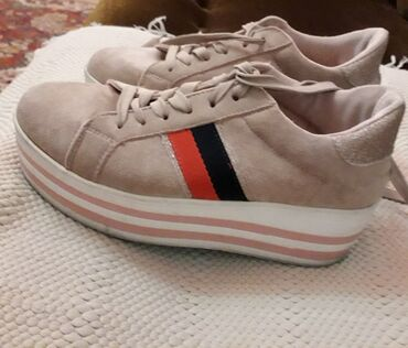 Ženska patike i atletske cipele - Obrenovac: OPPOSITE roze patike br 37 Kao nove br 37