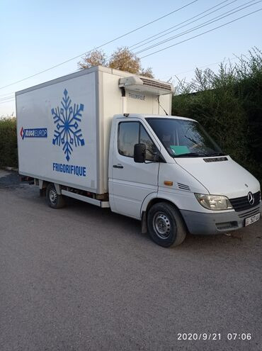 Мерседес сапог - Кыргызстан: Продаю Мерседес спринтер грузовой холодильник. 2000года, 2.2cdi, турби