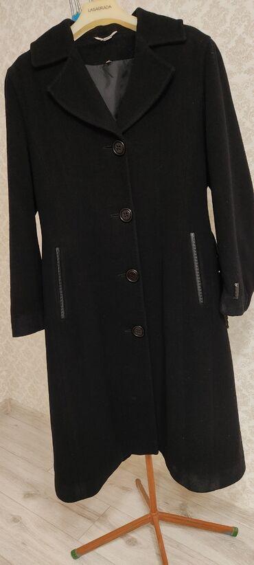 Пальто шикарного качества.Сидит идеально.Размер 36