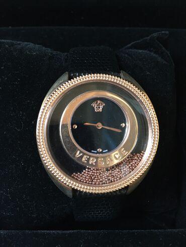 dzhinsy versace в Кыргызстан: Часы наручный б/у. Versace хорошая реплика. Рабочие, надо поменять ба