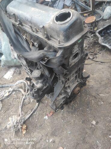 Мотор на гольф 4 1.6 сгорела прокладка под ГБЦ мотор работал себе