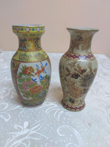 Antikvarne vaze   Srbija: Veoma stare,,, ručno radjene vaze