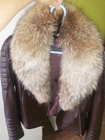 Jakna krzno - Sabac: Kozna jakna sa krznom rakuna Krzno se skida. Prelepa meka koza