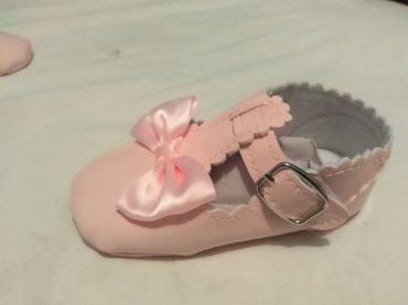 Nove nehodajuće cipelice za devojčice... - Odzaci