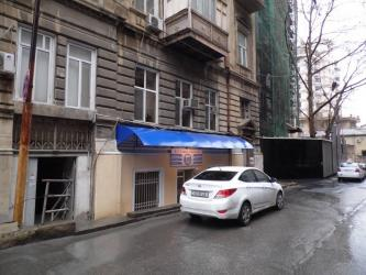 150 m2 ofislr - Azərbaycan: Səbail rayonu, şəhərin ən prestijli yerlərindən olan Axundov adına ba