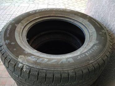 Продаю шины 265/65/R17, зимние, б/у, в хорошем состоянии, 4 штуки