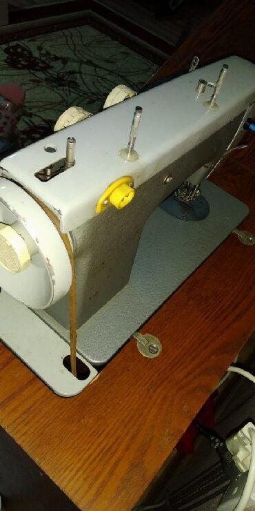 """- Azərbaycan: Швейная машина """"Подольск 142"""". Нужна настройка и вкрутить лампочку"""