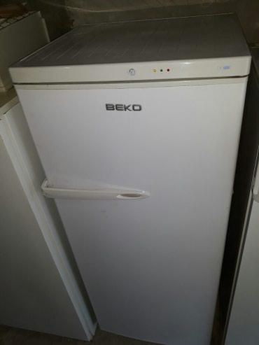 Vertikalni zamrzivač Beko 260l. Očuvan i kompletan, odlično hladi i - Beograd