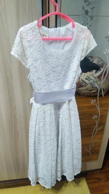 атласное платье со шлейфом в Кыргызстан: Красивейшее платье на девочку 9-11 лет.На рост от 140-150 см