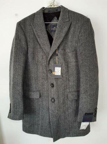 купить пальто бишкек в Кыргызстан: Пальто осенний демисезонный. Совсем новый, не одевал. Размер на