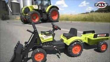 Branje malina - Srbija: Traktor Claas sa prikolicom i kašikom oduševiće i mališane i odrasle