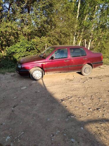 Транспорт - Гульча: Volkswagen Vento 1.6 л. 1994