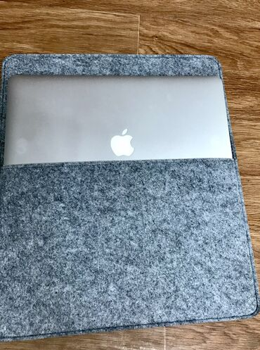 автозарядка для ноутбука в Кыргызстан: Чехлы для Macbook Pro 13 / 15  ручная работа материал: фетр  Можно изг
