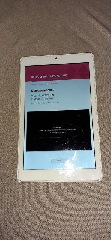 Fantastican Pc Tablet od 8 inca!!! Iz nemacke je i ima jedan mali