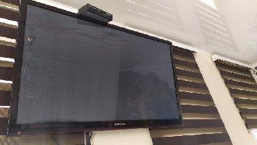 """Телевизоры - 55"""" - Бишкек: Срочно продаю телевизор Samsung (62*101)в отличном состоянии.Имеется 3"""