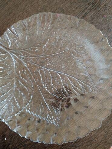 Тарелка для десерта  Стекло, в отличном состоянии  Торт, пирог