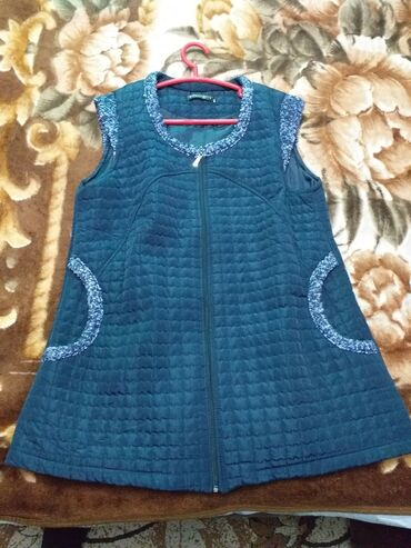 женское платье 56 в Кыргызстан: Жилетка женская.56 размер.Одна штука