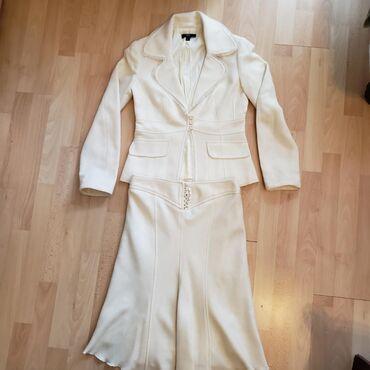 Zenski kostim - Srbija: Elegantan zenski kostim: sako i suknja vel 38, kao nov