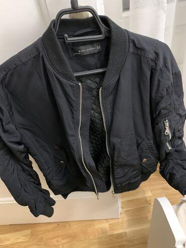 Zara bomber jakna 1300 DIN (bez oštećenja)