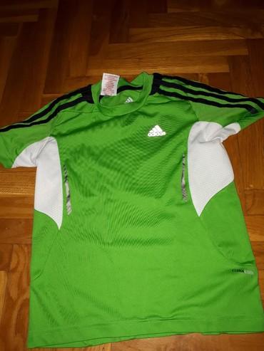 Majica zelena - Srbija: Zelena na kratke rukave adidas majica velicina 128cm