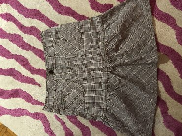 Esprit karirana suknja. velicna 40. materija pamuk i elastin
