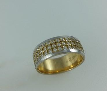 Кольцо из красного золота с цирконом, Размер 17,5. Цена 15500 в Бишкек