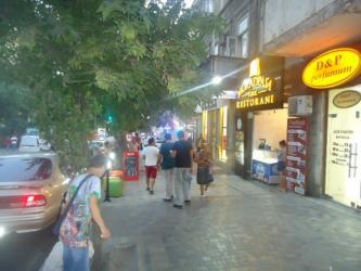 cay evleri - Azərbaycan: 28 Mall Ticarət Mərkəzinin və 28 May metrosunun yaxınlıgında, gediş